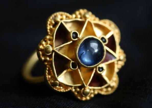 saphire-ring