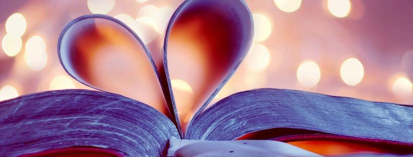 Book-bookmark-love-heart-blurred-background_1600x1200